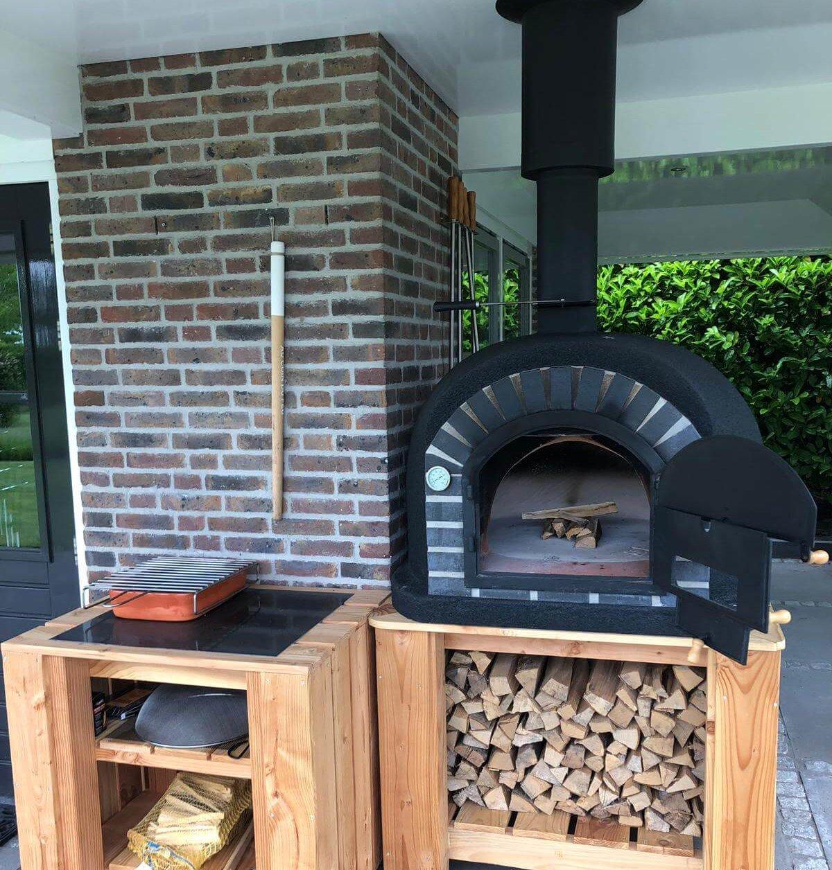 Geïsoleerde pizza oven
